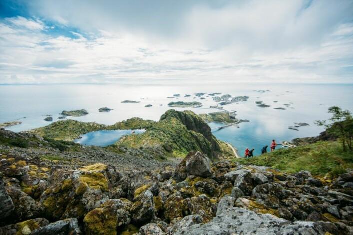 Fotografen Samuel Taipale er en del av Outtt-teamet. Dette bildet er fra Festvågtinden i Lofoten. Foto: Samuel Taipale