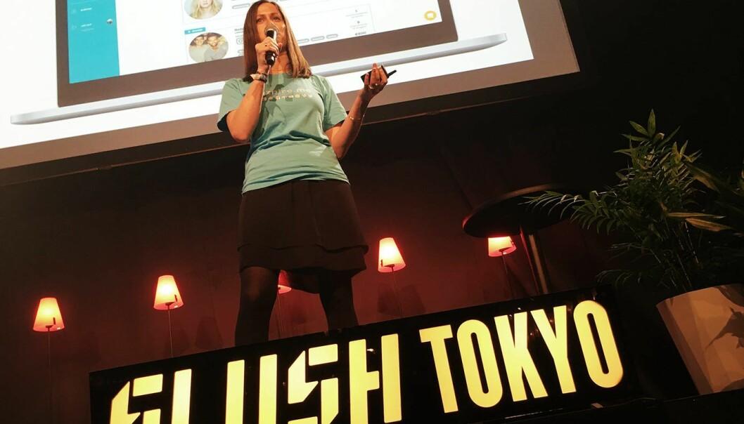 Marie Molstad i Inzpire.me pitcher på Slush Tokyo. Foto: Slush Media
