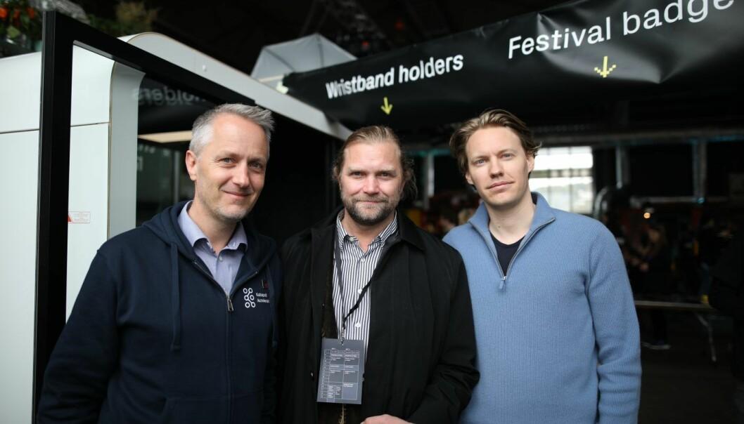 Fra venstre: Anders H. Lier, Tharald Nustad og Kristoffer Røil. Sammen skal de bygge et fond på én milliard kroner som skal investere i norske og nordiske AI-startups. Foto: Lucas H. Weldeghebriel