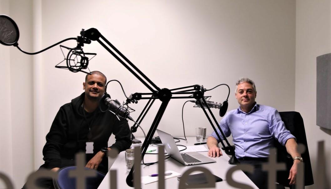 Shifter-gründer Lucas Weldeghebriel og Salvador Baille i podcasten til Shifter. Foto: Gjermund Glesnes.