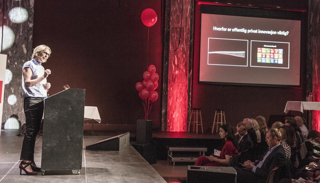 Anita Krohn Traaseth holdt årets innovasjonstale foran blant andre Hadia Tajik fra Arbeiderpartiet.