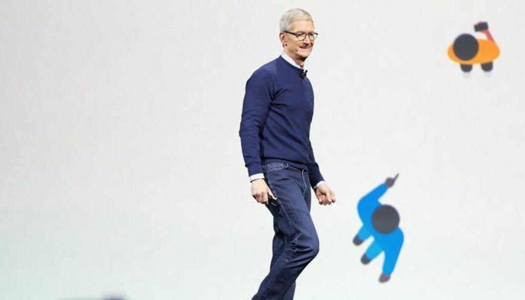 Apples Tim Cook på scenen under WWDC-konferansen. Foto: Apple