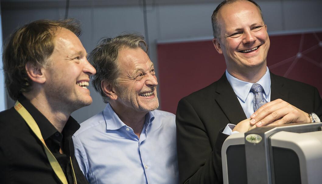 Per Einar Dybvik, Harald Møller og Ketil Solvik-Olsen under åpningen av MobilityLab. Foto: Per-Ivar Nikolaisen