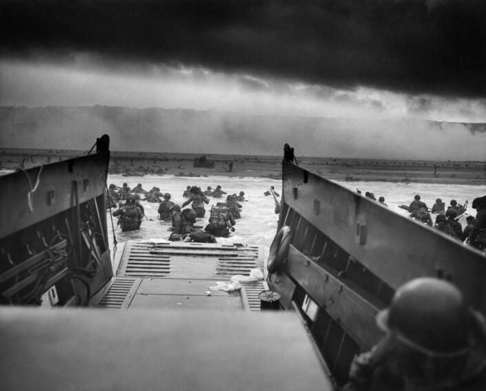Stormingen av Normandie i 1944. Foto:Robert F. Sargent, CPhoM, USCG.