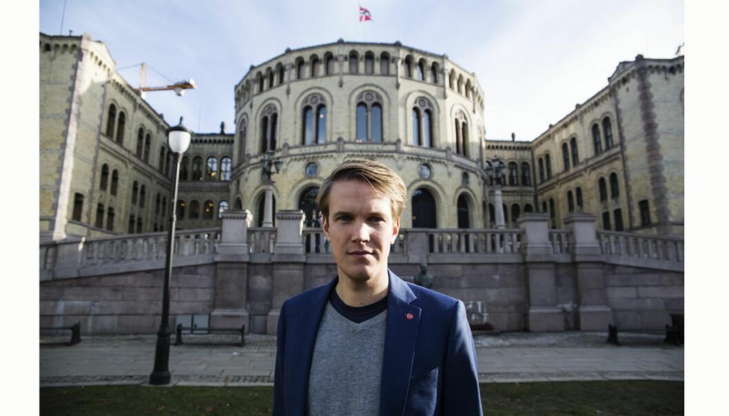 Torstein Tvedt Solberg i Arbeiderpartiet vil bedre forslaget til opsjonsskatt. Foto: Per-Ivar Nikolaisen