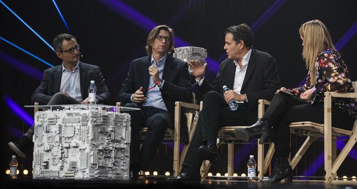 Fra venstre: Niklas Zennström (Skype/Atomico), Brent Hoberman (Founders Factory), David Thenenon (Softbank) og Sophia Bendz (Atomico) i samtale på Slush 2017. Foto: Per-Ivar Nikolaisen