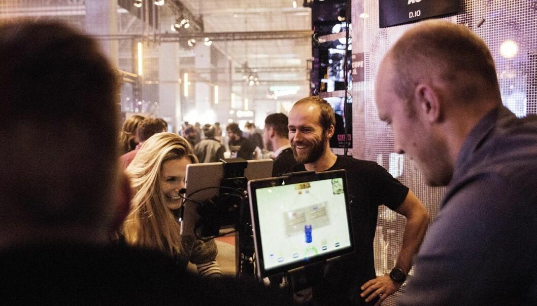 Erling Magnus Solheim i Playpulse på deres stand under Slush-konferansen i fjor. Foto: Per-Ivar Nikolaisen