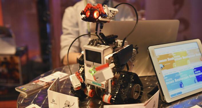 Det japanske selskapet Robo Done hadde tatt med seg sin egen utgave av Disney-karakteren Wall-e til Slush. Selskapet lærer barn og unge å lage egne roboter, og brukes blant annet i skolesammenheng. Foto: Benedicte Tandsæther-Andersen