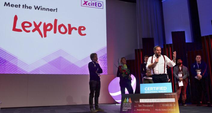"""På torsdag -- Slush-konferansens første dag -- hadde XcitED en """"side event"""" der den beste startupen for utdanningsteknologi ble kåret. Det svenske selskapet Lexplore -- som jobber med å tidlig kartlegge barns lese- og skriveferdigheter -- vant. Premien var 10 000 Euro. I bakgrunnen står dommerpanelet, deriblant Kahoot-grunnlegger Johan Brand. Foto: Benedicte Tandsæther-Andersen"""
