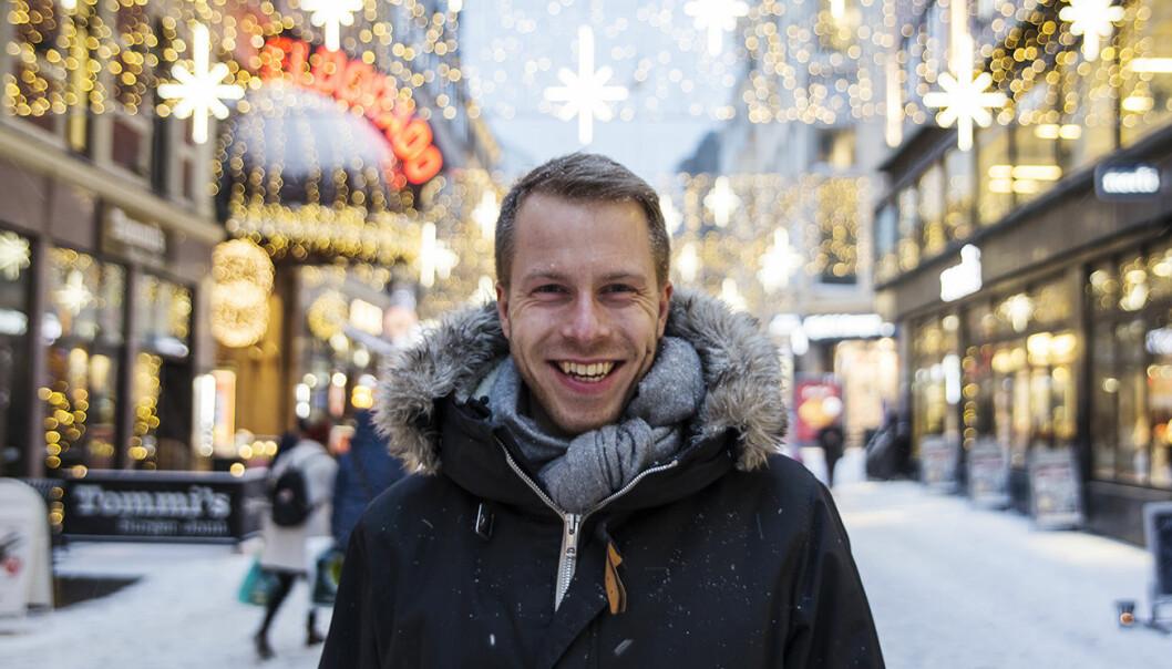 CEO og gründer Patrik Berglund i Xeneta i godt julehumør utenfor selskapets nye lokaler i Torggata i Oslo. Per-Ivar Nikolaisen