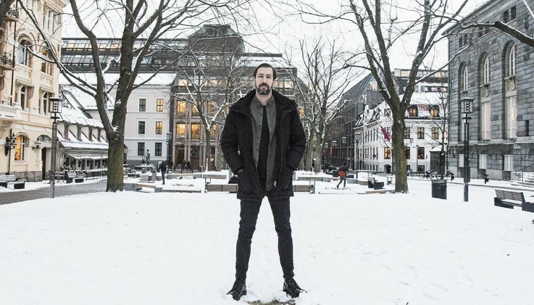 Sean Percival i for ham et kaldt vinterlandskap. Foto: Per-Ivar Nikolaisen