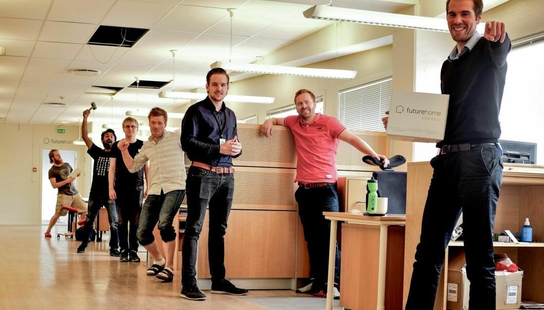 Futurehome-teamet. Daglig leder Erik Stokkeland i rød t-skjorte. Foto: FutureHome