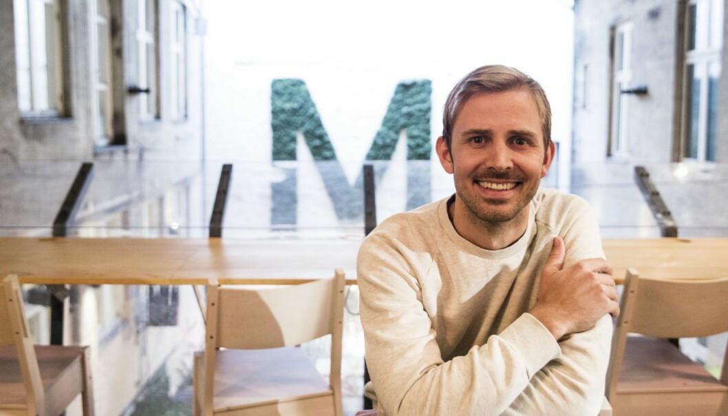 Anders Mjåset foran den legendariske M'n på ur-MESH. Foto: Per-Ivar Nikolaisen
