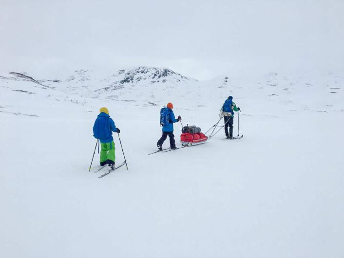 Familien Vaksdal fra Bergen tilbringer helst påskeuka på ekspedisjon over vidda. Foto: Privat