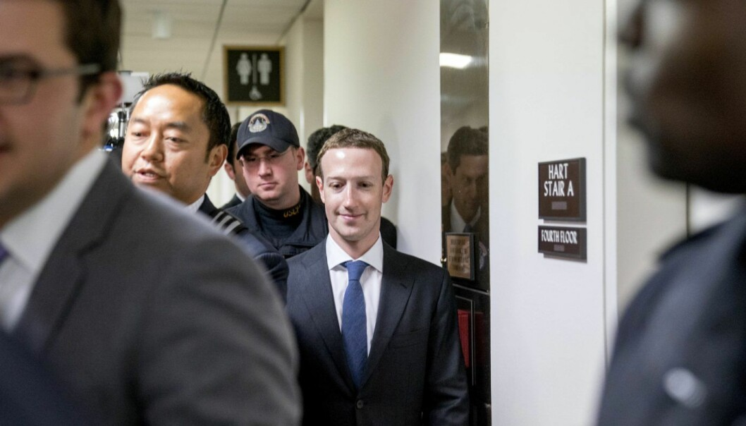 Facebook-sjef Mark Zuckerberg forlater Capitol Hill i Washington. Foto: Andrew Harnik/AFP