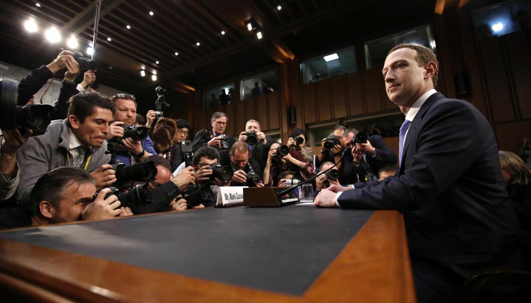 Facebook-sjef Mark Zuckerberg i høring hos kongressen. Foto: AP, Alex Brandon
