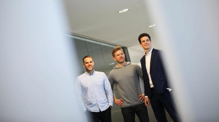NETTBIL: (fra venstre) Anders Espelund (gründer og daglig leder i Nettbil), Eirik Thorsen (medgründer i Nettbil) og Antoine Thebault (Direktør forretningsutvikling i Aller Media), Foto: Lucas Weldeghebriel