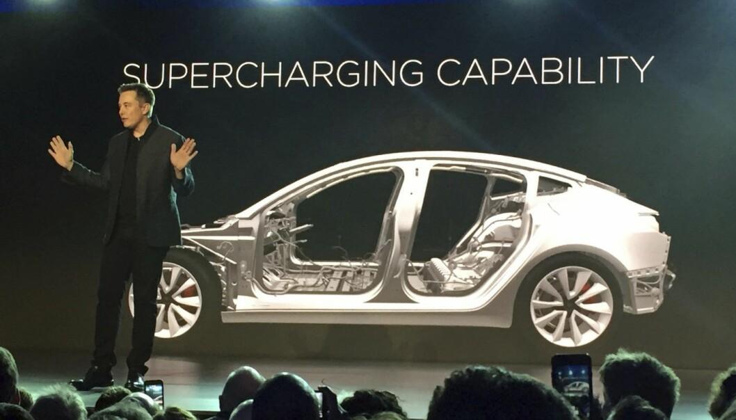 Elon Musk i Tesla under en tidligere lansering. Foto: AP Photo/Justin Pritchard, File