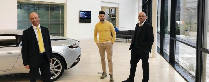 Nicola Andelic (i midten) i My Voice på besøk hos Aston Martin.