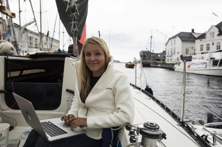 Christine Spiten er med i gjengen bak EntrepreneurShipOne, og flyttet gründerkontoret ombord under Arendalsuka i fjor - nå blir flåten kraftig utvidet, iallfall i antall fot. Foto: Per-Ivar Nikolaisen