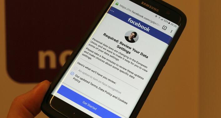 Facebooks varsel om å godta deres retningslinjer. Disse retningslinje er noe av det noyb.eu reagerer på. Foto: noyb