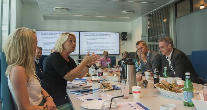 Kommunal- og moderniseringsminister Monica Mæland var svært engasjert i prosjektet Nav Skedsmo presenterte. Foto: Benedicte Tandsæther-Andersen