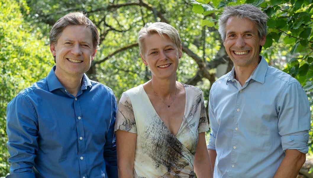 Lars Gogstad, Anne Jorun Aas og Terje Landsgård med Kjeller Horisont. Foto: Kjeller Innovasjon
