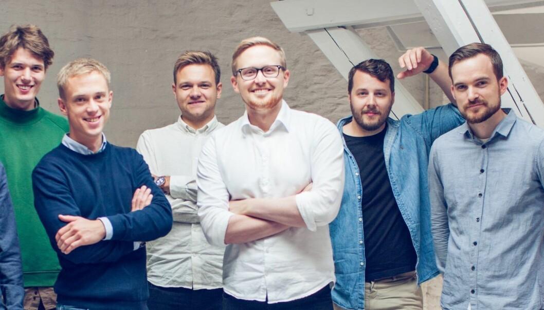 Testons gründere har bakgrunn fra selskaper som Netlife, Xeneta og Nabobil.no. Fra venstre: Franz Wilhelm von der Lippe, Vegard Solberg, Erik Hauglid, Chris Moen, Gustav Jönsson, Joakim Bording. Foto: Teston