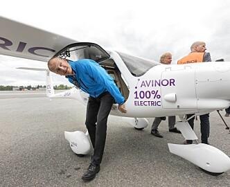Bjørn Kjos kritisk til elfly-regjering: La Boeing ta seg av dette