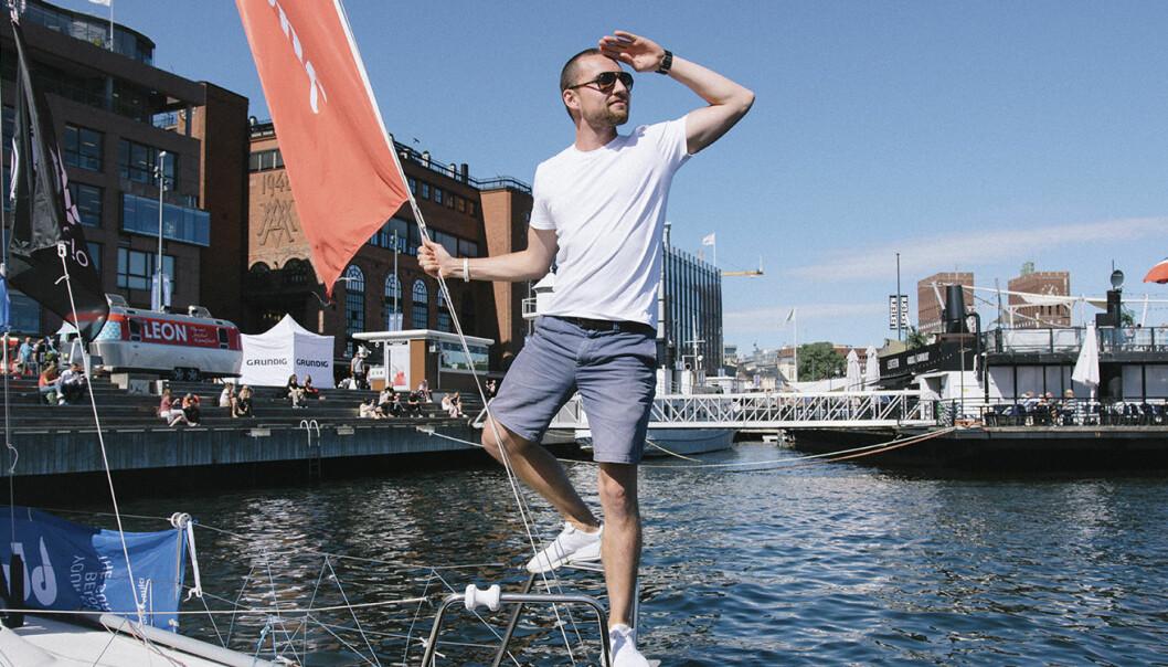 Daniel Caetanya Fossum i baugen på #EntrepreneurShipOne, som under intervjuet ble brukt som Shifters midlertidige kontor. Foto: Benedicte Tandsæther-Andersen