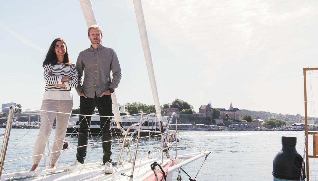 Julija Pauriene og Henrik Langeland, i baugen på Galactic Viking -- en annen seilbåt i EntrepreneurShip-flåten. Foto: Benedicte Tandsæther-Andersen