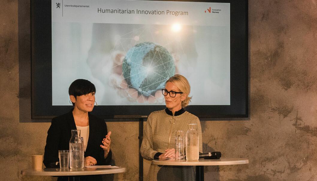 Utenriksminister Ine Eriksen Søreide og Innovasjon Norge-leder Anita Krohn Traaseth på scenen under lanseringen av det nye programmet for humanitær bistand. Foto: Benedicte Tandsæther-Andersen