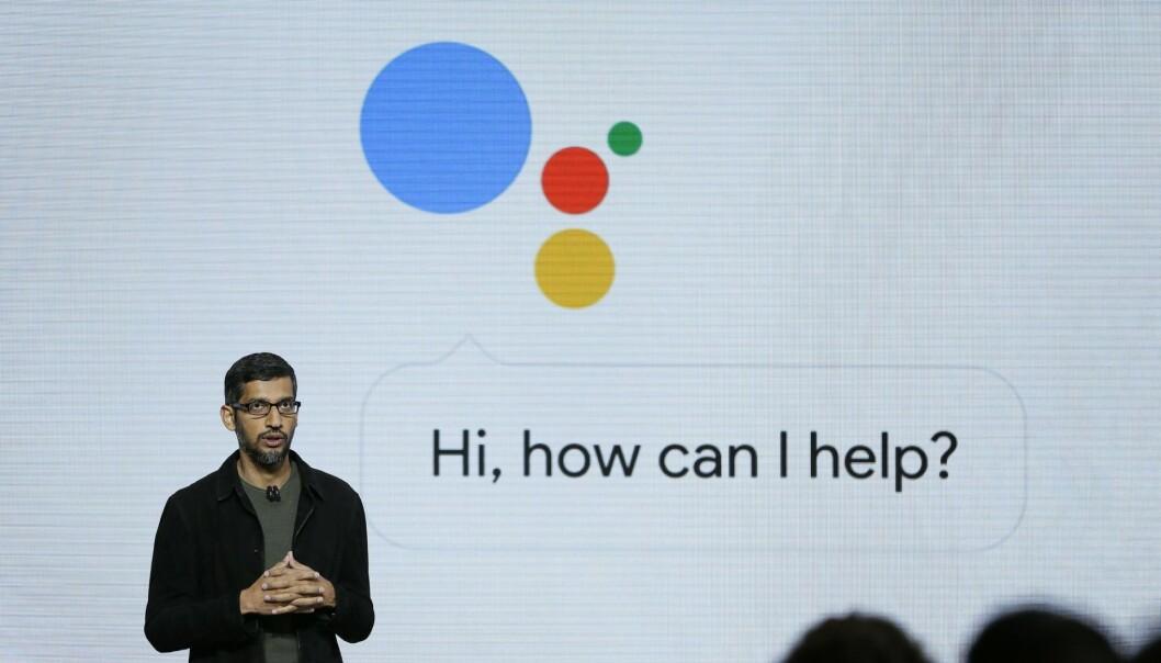 Googles CEO Sundar Pichai gir en presentasjon av Google Assistant på et event i San Francisco. Foto: AP Photo/Eric Risberg, File