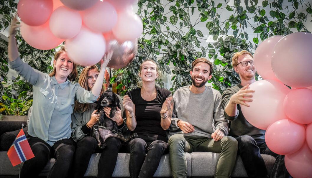 Deler av Tise-teamet feirer selskapets toårsdag. Foto: Vilde Mebust Erichsen