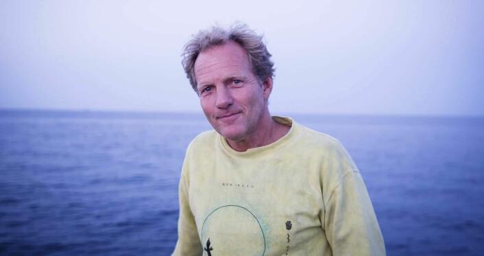 Rolf Assev i blåtimen ombord på Christian Radich under xVoyage. Foto: Per-Ivar Nikolaisen
