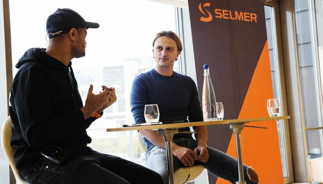 Lucas Weldeghebriel i Shifter intervjuer Nikolay Storonsky i Revolut. Foto: Per-Ivar Nikolaisen