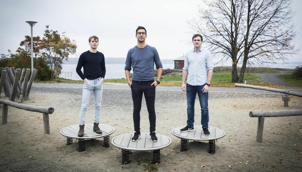 Christer Mathiesen (f.v), Erlend Sierra og Eirik Worren Legernæs i Versor, utenfor Equinors hovedkvarter på Fornebu. Foto: Per-Ivar Nikolaisen