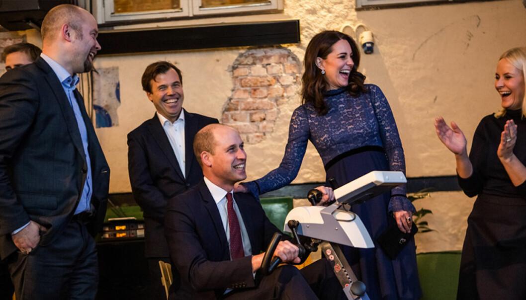 Det var god stemning da den britiske kronprinsen, William, prøvde Motiview tidligere i år. Foto: MyNewsDesk