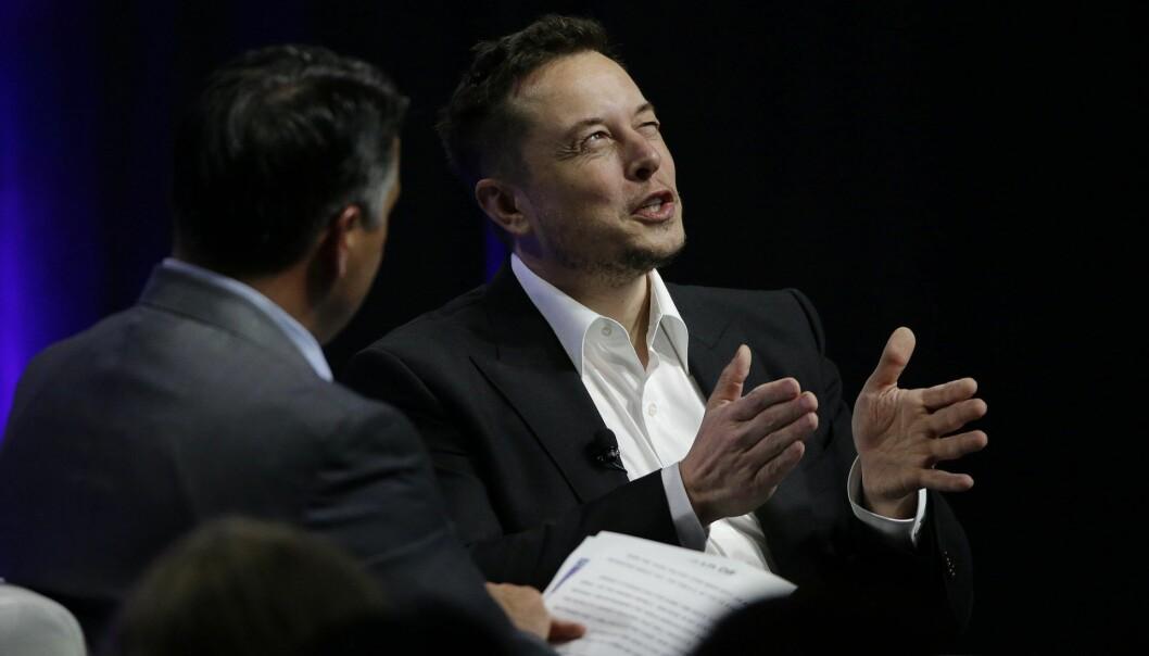 Tesla and SpaceX CEO Elon Musk i Providence, R.I. (AP Photo/Stephan Savoia)