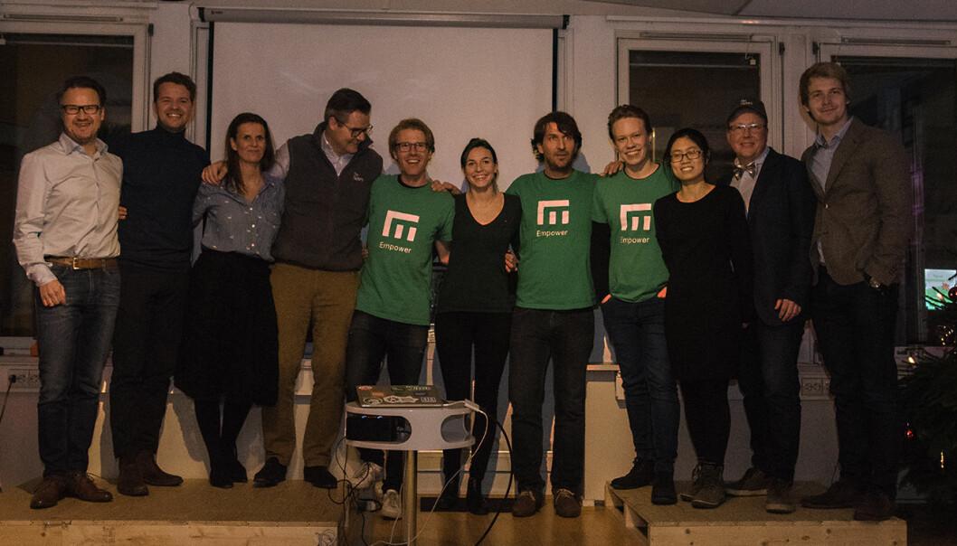 Empower har vunnet TheFactory, og er her fotografert sammen med TheFactory-teamet. Foto: Benedicte Tandsæther-Andersen