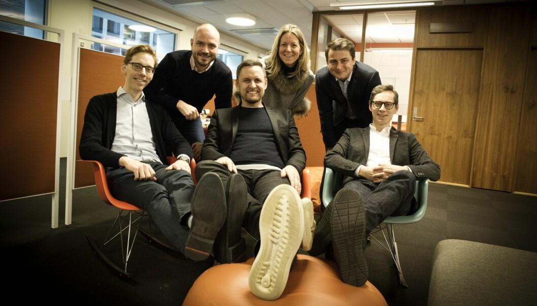 DNB investerer i danske Spiir. Fra venstre: Gudmundur Hreidarsson (CTO Spiir), Per Kristian Næss-Fladseth (DNB), Rune Mai (CEO Spiir), Karen Elisabeth Heskja (leder DNB Ventures), Ola Svalheim (DNB Ventures) og Johan Lorenzen (styreleder Spiir).  Foto: Per-Ivar Nikolaisen