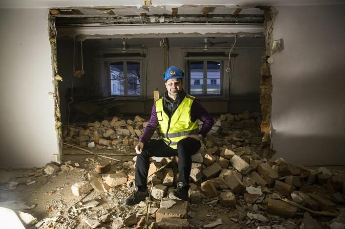 Man må rive ned for å bygge opp. Are Traasdahl i det som skal bli de nye lokalene hans i Myntgata i Oslo. Foto: Per-Ivar Nikolaisen