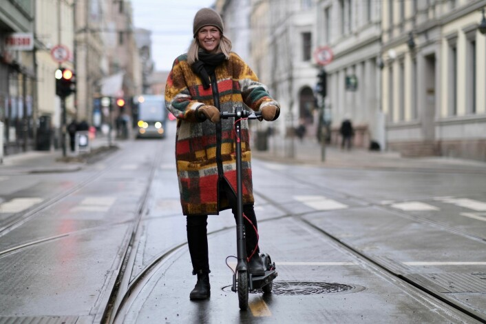Heidi Aars used to be a Marketing Manager at Uber Nordics, now she has joined Urban Sharing's kick bike project - one out of many in Oslo at the moment. Photo: Urban Sharing