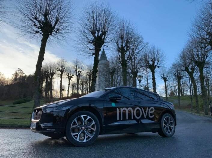 Imove har både dyrere modeller som denne jaguaren og langt billigere biler i sin flåte. Foto: Imove