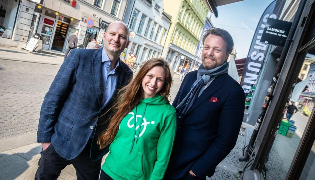 Knut Vidjeland, Marie Moxnes Harfjeld og Jarle Holm i Monner. Foto: Vilde Mebust Erichsen