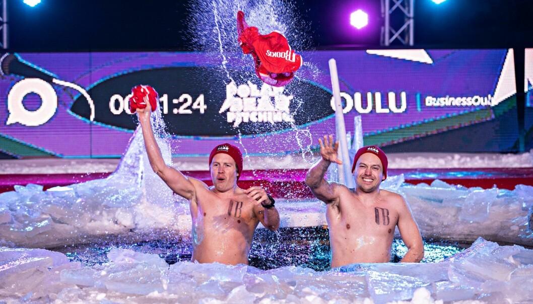 Gründerne bak Bookis Lasse Brurok og Arne-Morten Willumsen vant årets VM i Polar Bear Pitching, som går ut på å pitche inn idéer i iskaldt vann.