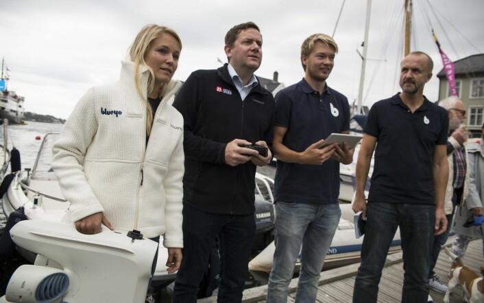 Storkunder: Blueye-teamet under Arendalsuka i fjor, sammen med sjefen i Hurtigruten, Daniel Skjeldam. Foto: Per-Ivar Nikolaisen