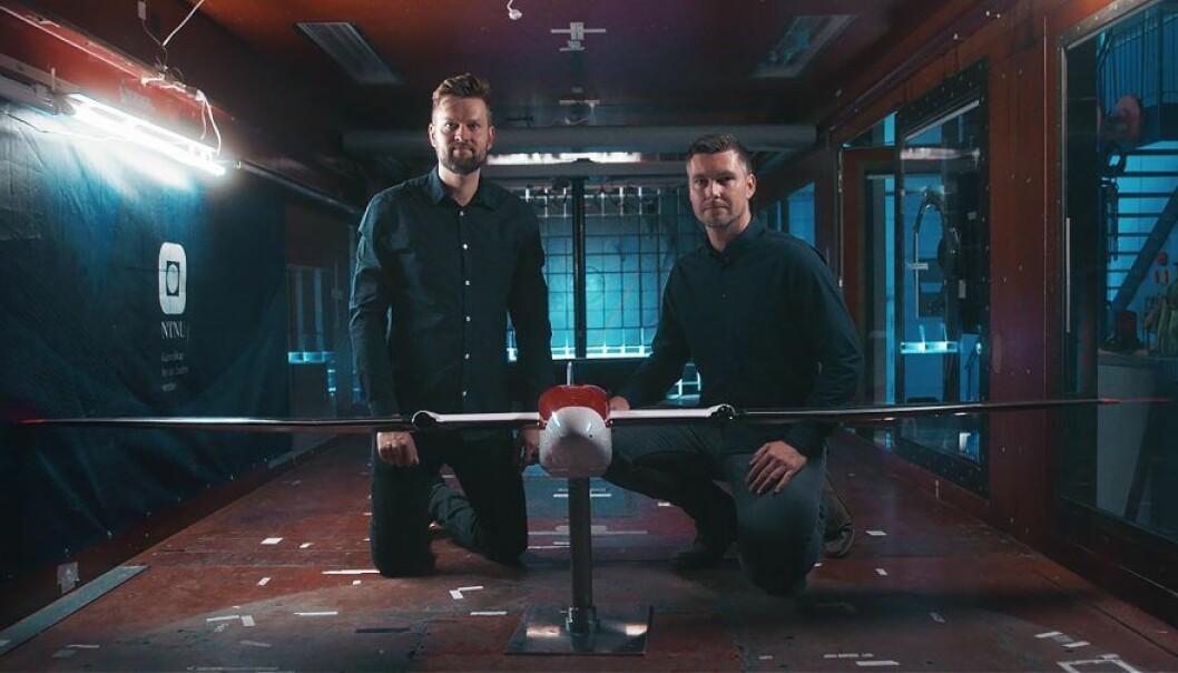 Kasper Trolle Borup og Kim Lynge Sørensen i UBIQ Aerospace. Foto : UBIQ.