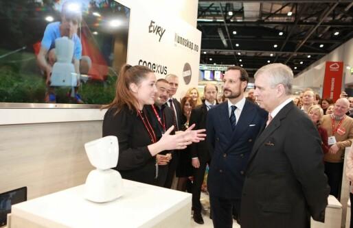 Royalt rush: Her spør prins Andrew ut norske gründere om produksjonslinja