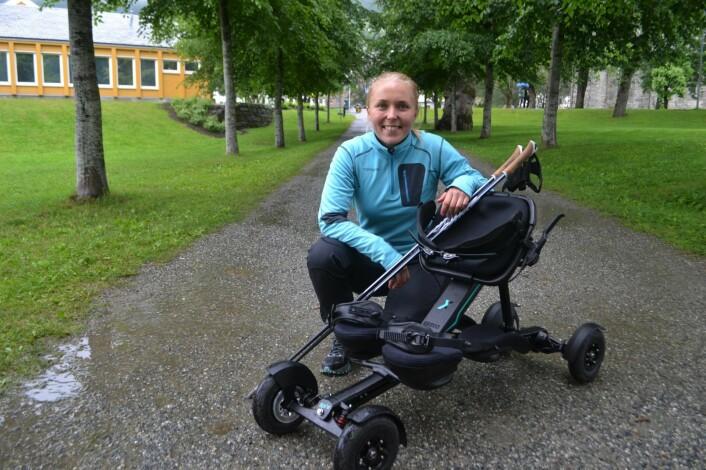 """Medgründer og CMO i Exero Technologies, Nicoline Saarisilta Bergh, startet utviklingen av rullekjelken """"Spike"""" på NTNU. Foto: Magnus Peter Harnes"""